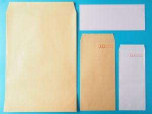 茶色か白色の縦型封筒が基本
