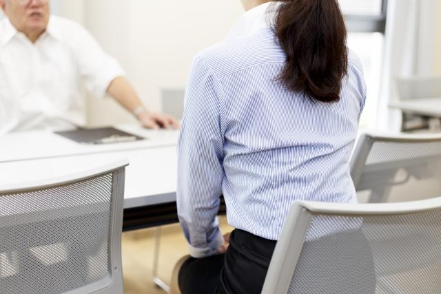 離婚調停する調停委員は男女1名ずつのペアになっている